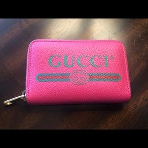 Gucci 1980's Printed Leather Wallet In 8840 Pink